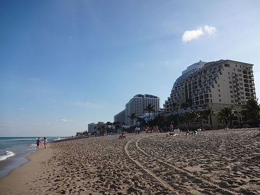 Fort_Lauderdale_Beach_(1)